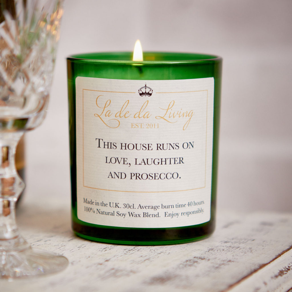 POP Candle ‰| This House Runs On Love, Laughter & Prosecco‰