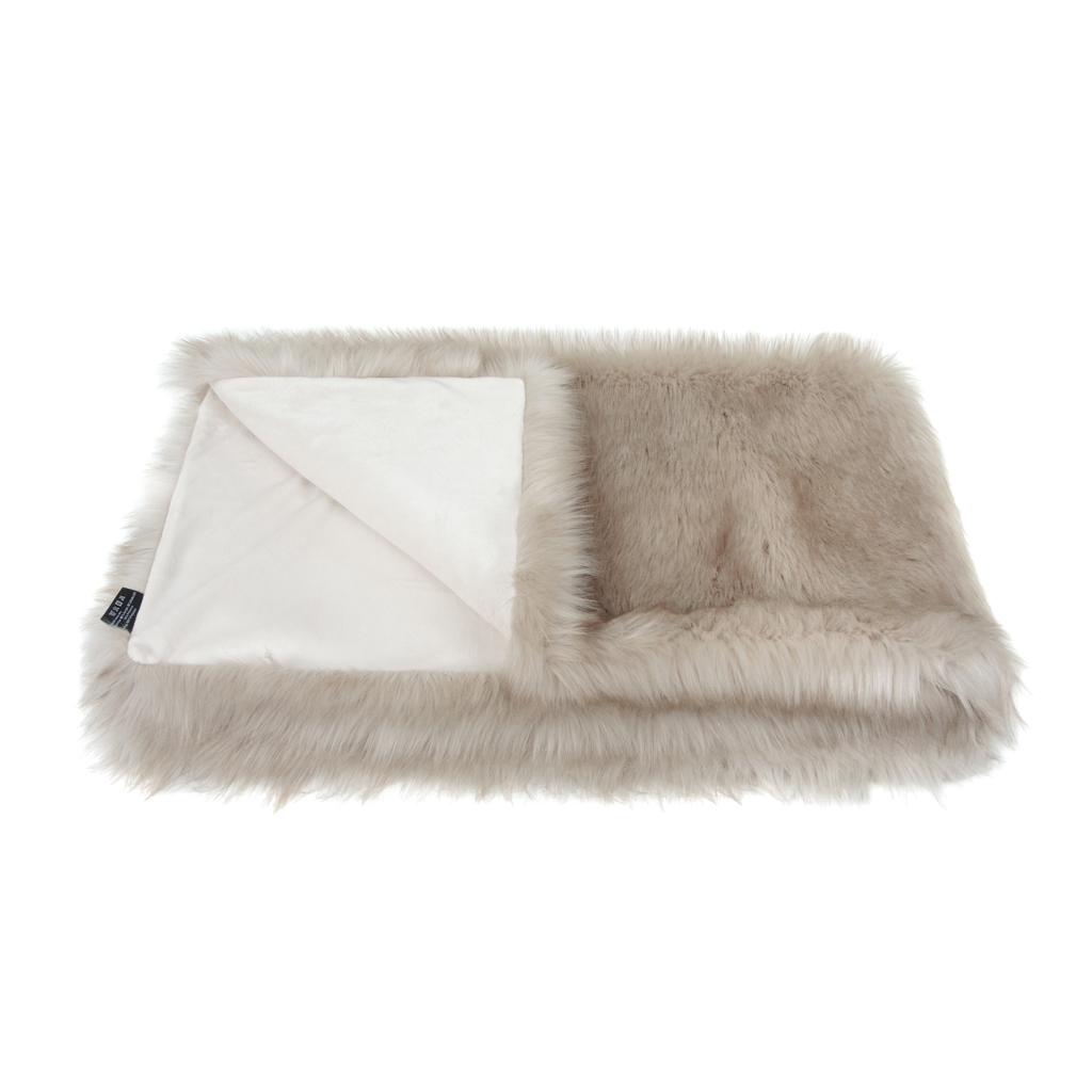 OYSTER | FAUX FUR | COMFORTER