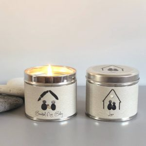 PEBBLE PEOPLE TIN CANDLE | LOVE