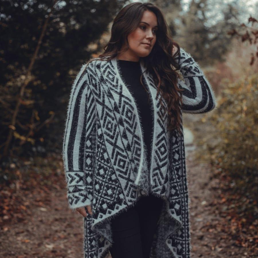 Black & White Patterned Pullover 2
